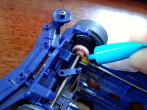 グリスをつける箇所:プロペラシャフトとクラウンギヤが当たる部分(前)