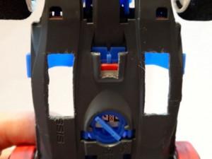 改造したブラストアローのシャーシ底部