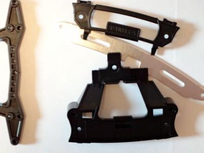 改造前のリヤースライドダンパーとリヤダブルローラーステー (3点固定タイプ)