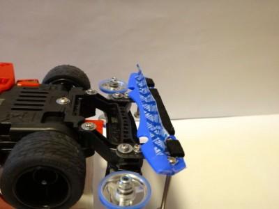ブレーキにミニ四テープを取り付けたところ