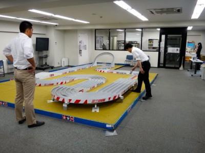東京新橋にあるタミヤプラモデルファクトリーに設置されているコース