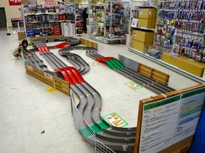 越谷レイクタウンにあるミニ四駆ステーションのコース全景
