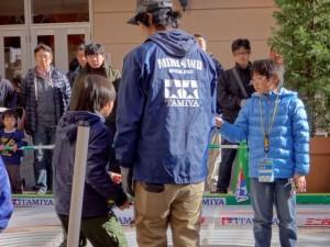 ミニ四駆ジュニアカップ・トレッサ横浜杯2013[秋]大会運営するスタッフの様子その4