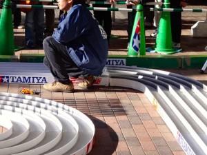 ミニ四駆ジュニアカップ・トレッサ横浜杯2013[秋]大会運営するスタッフの様子その6