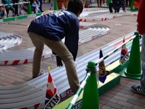 ミニ四駆ジュニアカップ・トレッサ横浜杯2013[秋]大会運営するスタッフの様子その7