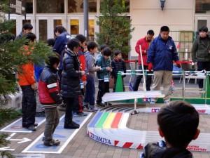 ミニ四駆ジュニアカップ・トレッサ横浜杯2013[秋]練習走行の様子その1