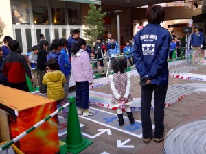 ミニ四駆ジュニアカップ・トレッサ横浜杯2013[秋]練習走行の様子その12