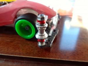 ミニ四駆の2段式ガイドローラー