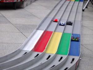 ミニ四駆グランプリ2014のコースを走るミニ四駆その2