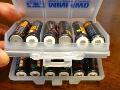 電池ケースに入ったタミヤネオチャンプ(12本)
