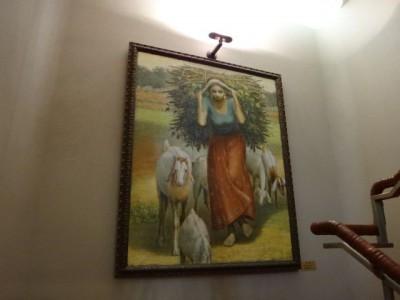 壁にかけられた絵