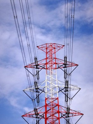 電線を支える鉄塔